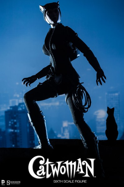 New Catwoman photos posted!