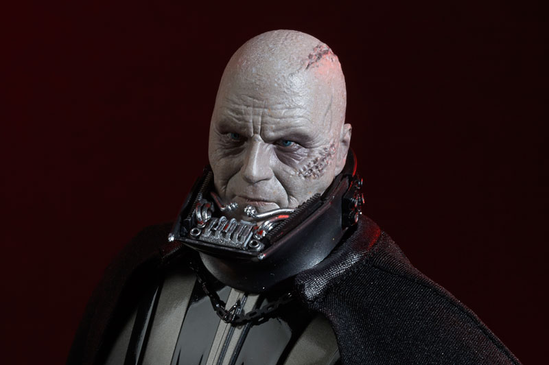 Darth Vader Deluxe Sixth Scale Figure