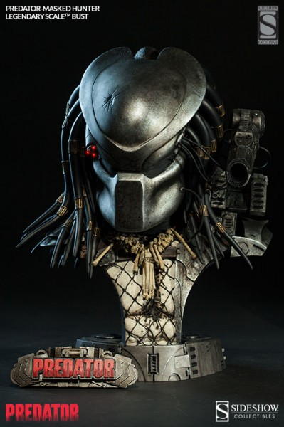 Get to da choppa! Sideshow presents the Predator – Masked Hunter bust