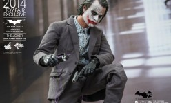 Hot Toys - The Dark Knight - The Joker (Bank Robber Version 2.0) Sixth Scale Figure