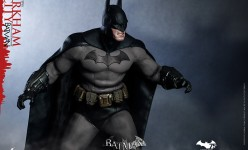 Hot Toys - Batman - Arkham City - Batman Collectible Figure_PR11