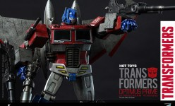 Hot Toys - THE TRANSFORMERS G1 - Optimus Prime (Starscream Version) Collectible Figure_PR10