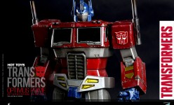 Hot Toys - THE TRANSFORMERS G1 - Optimus Prime (Starscream Version) Collectible Figure_PR14