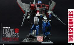 Hot Toys - THE TRANSFORMERS G1 - Optimus Prime (Starscream Version) Collectible Figure_PR2