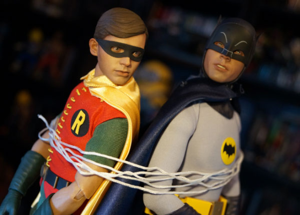 Holy review Batman! NerdBastards check out Hot Toys' 1960s TV Series Batman and Robin