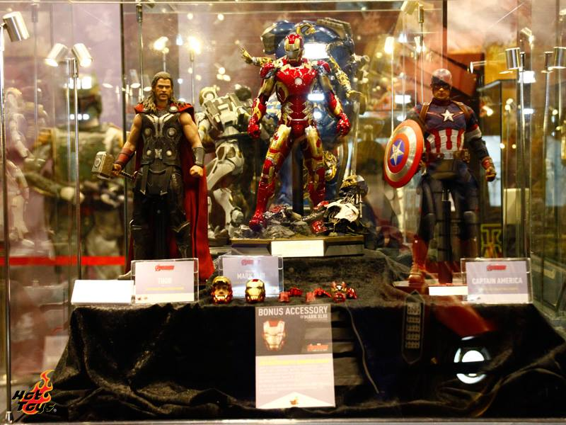 Hot Toys Avengers Age Of Ultron Sideshow Star Wars And More At