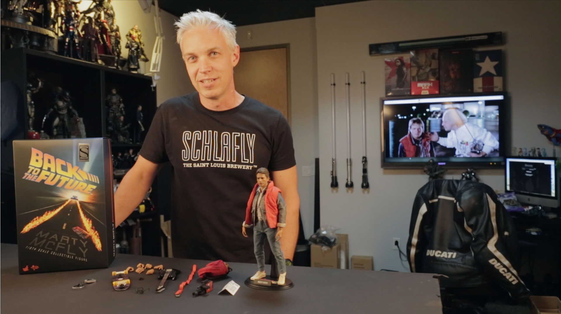 Great Scott! Watch as we unbox and pose the Hot Toys Marty ...