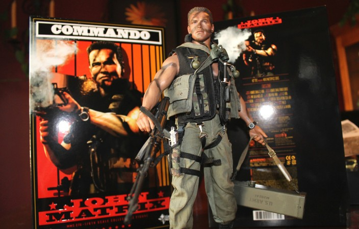 'The Arnold Fans' review Hot Toys John Matrix Commando Sixth Scale Figure