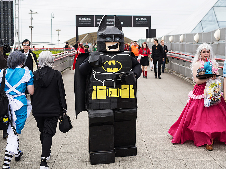 10 of the best batman cosplayers of all time sideshow