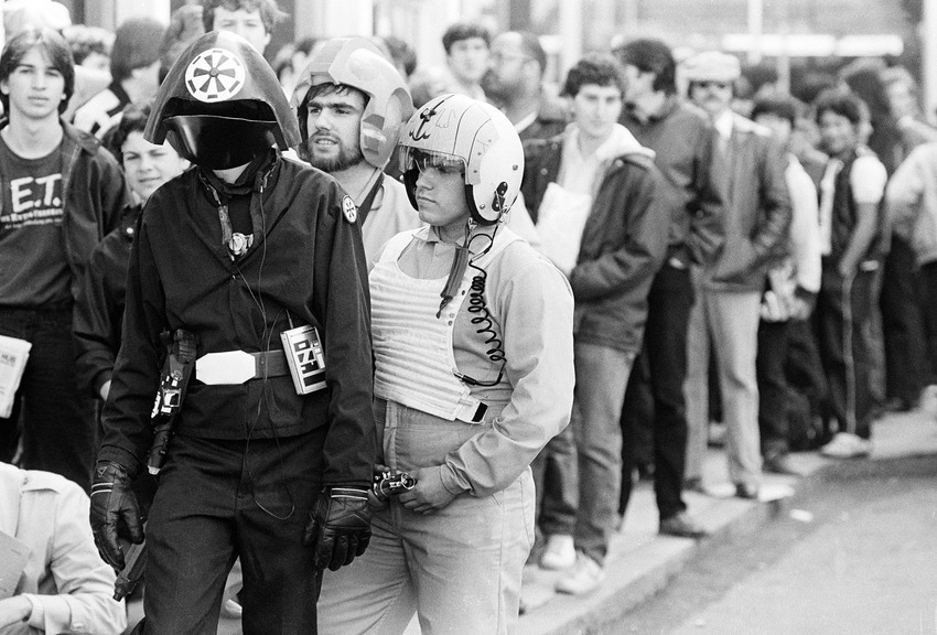 excited fans line up for star wars � then and now