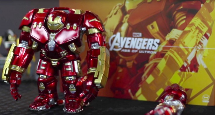 The NewsBox reviews the Hot Toys Avengers: Age of Ultron Hulkbuster Artist Mix Figure by Touma