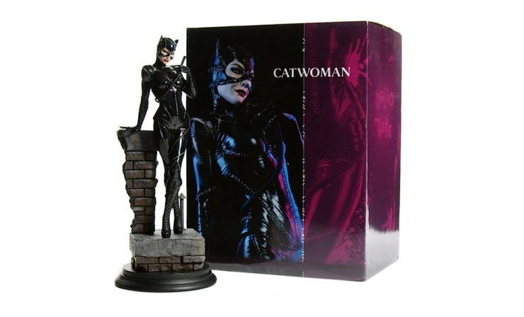 Catwoman Premium Format™ Figure – Out of the Box