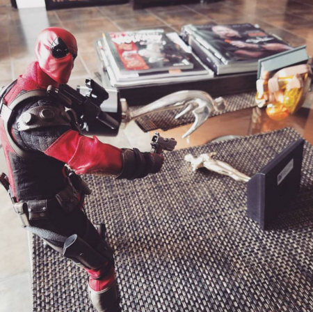 DEADPOOL TAKES AIM AT THE OSCARS!