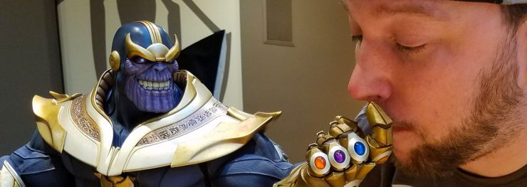Sideshow Takes Selfies with Thanos