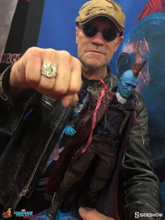 Michael Rooker with Yondu Sixth Scale Figure