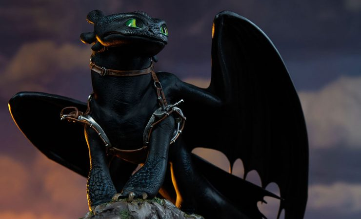 New Photos of Toothless are flying into Sideshow!