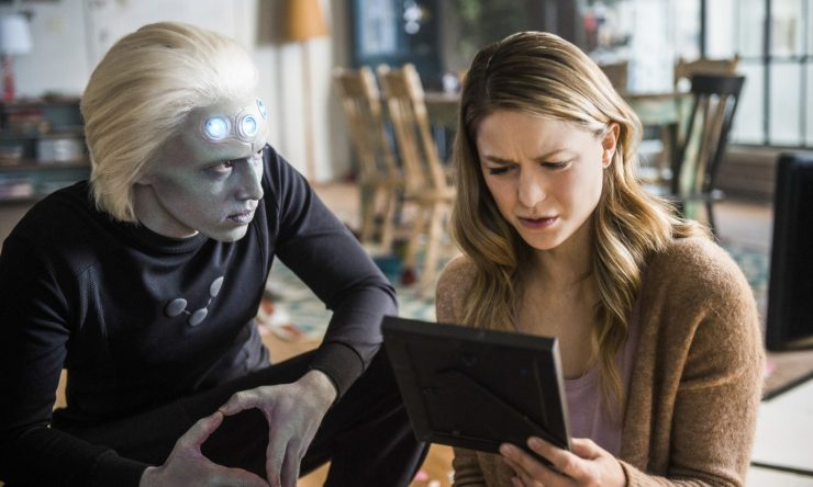 Supergirl Returns to CW With Legion of Super-Heroes