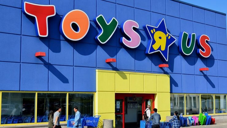 """Toys """"R"""" Us Closing Doors After Seven Decades of Toys and Memories"""