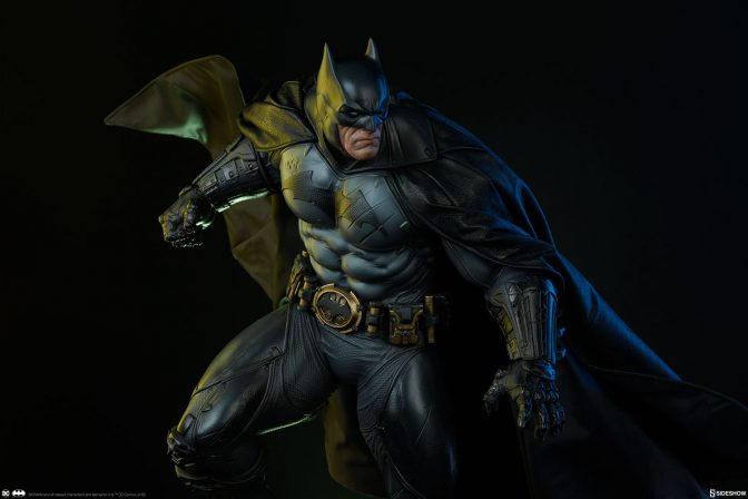 Gotham City Belongs to the Batman Premium Format™ Figure