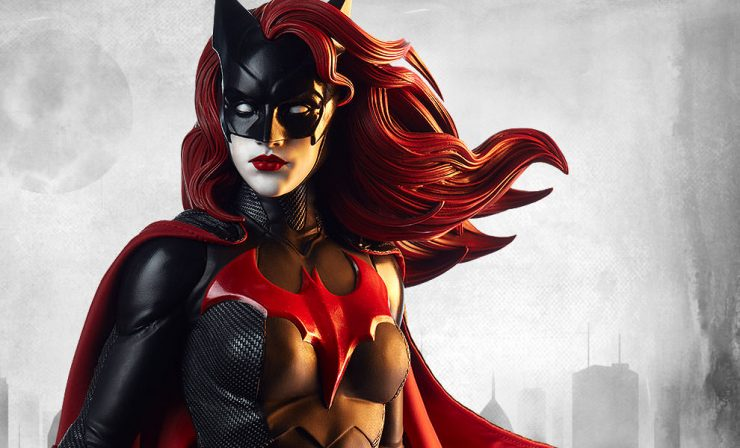 Behind the Scenes of the Batwoman Premium Format™ Figure