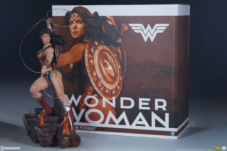 New Photos of the Wonder Woman Premium Format Figure