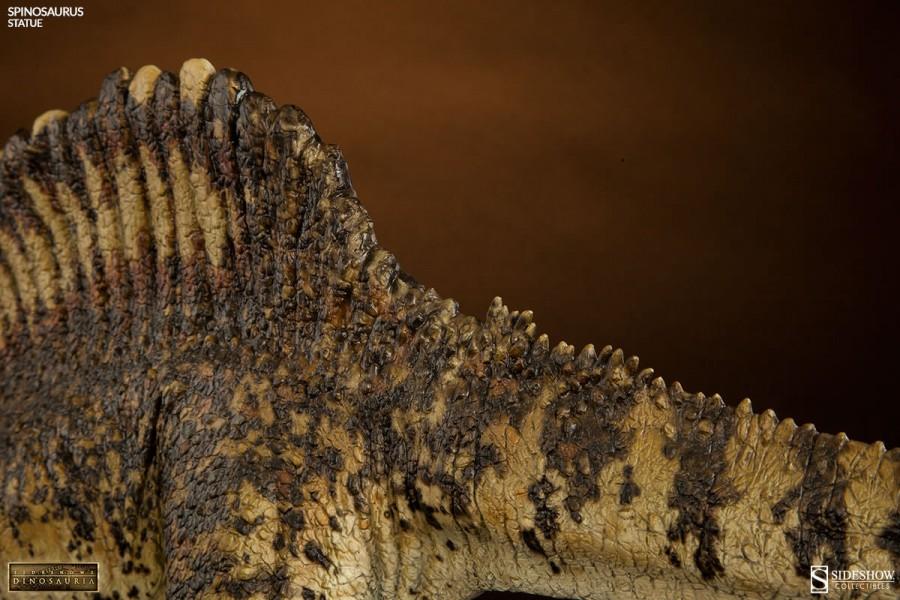 Spinosaurus Statue