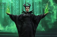 Hot Toys Maleficent Sixth Scale Figure