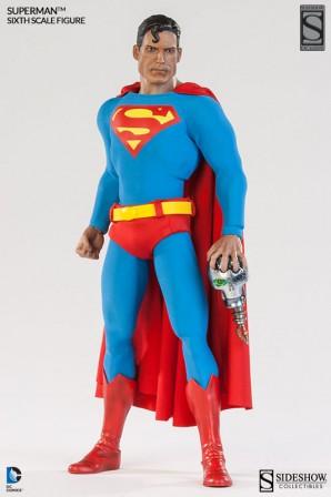 Exclusive Superman Sixth Scale Figure