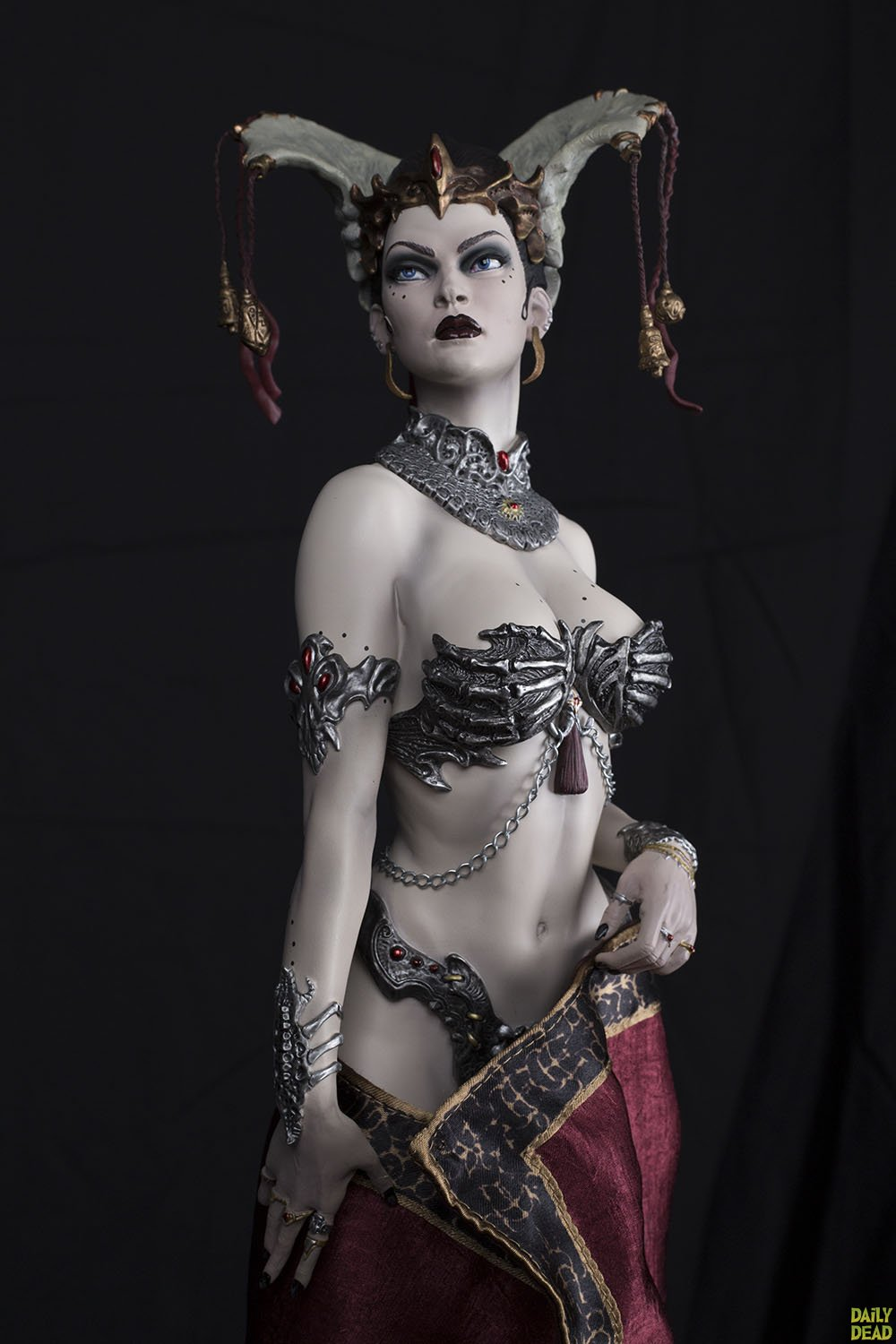 Sideshow Collectibles Queen of the Dead Court of the Dead Premium Format Figure Review