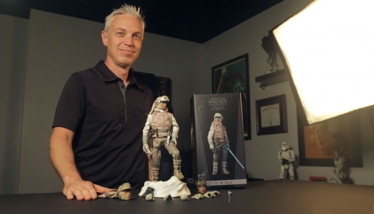 Some like it Hoth –Unboxing and posing the Sideshow Luke Skywalker Sixth Scale Figure