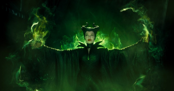 Angelina Jolie wins 'Best Villain' for Maleficent at Nickelodeon Kid's Choice Awards