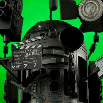 R2-ME2 by Raul Martinez