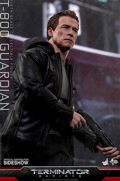 Hot Toys unveils Arnold Schwarzenegger as the T-800 Guardian from Terminator Genisys