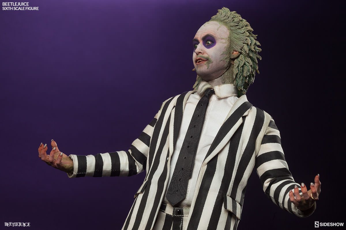 Beetlejuice Sixth Scale Figure and Tombstone Environment