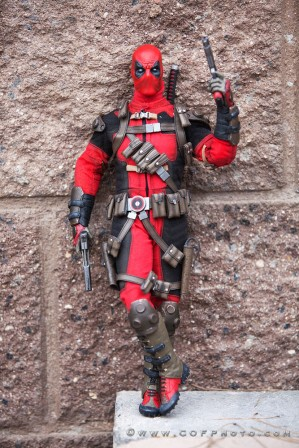 Richter Boys review Sideshow Marvel Deadpool Sixth Scale Figure
