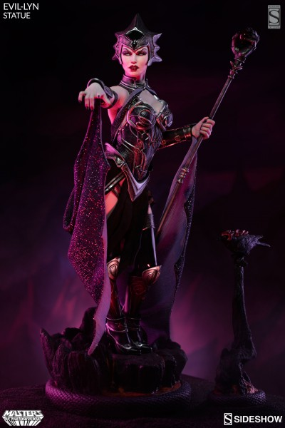 Evil Lyn Premium Format Figure