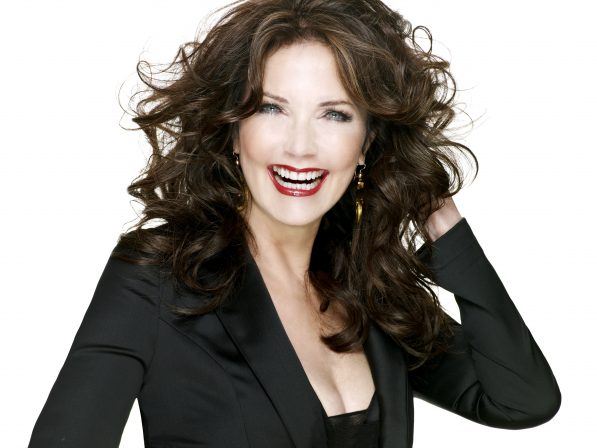 Lynda Carter is returning to the DC TV Universe for Supergirl