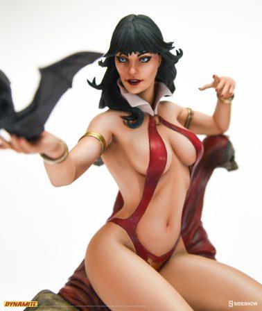 Vampirella Statue