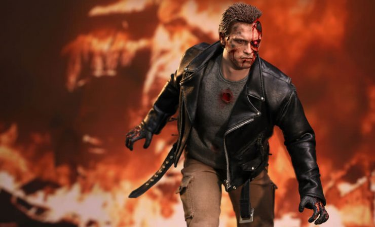 Terminator Battle Damaged Sixth Scale by Hot Toys