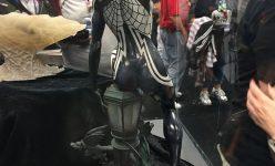 Silk Statue