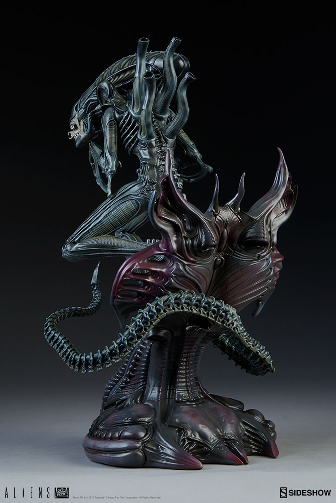 Game over man! New Photos of the Alien Warrior are here! | Sideshow