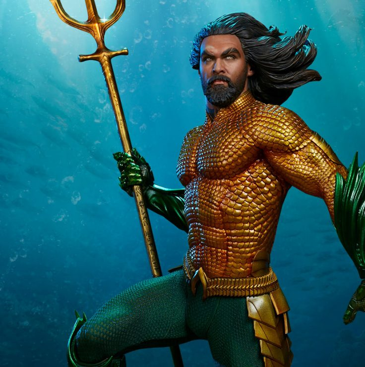 Jason Momoa takes a close look at the Aquaman Premium Format Figure!