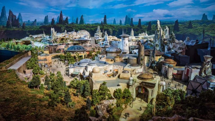 ABC to Show Star Wars: Galaxy's Edge Sneak Peek on Christmas