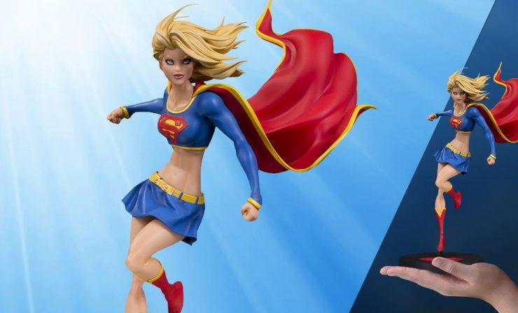 Supergirl - Michael Turner Statue