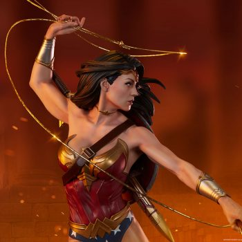 Wonder Woman Premium Format Figure