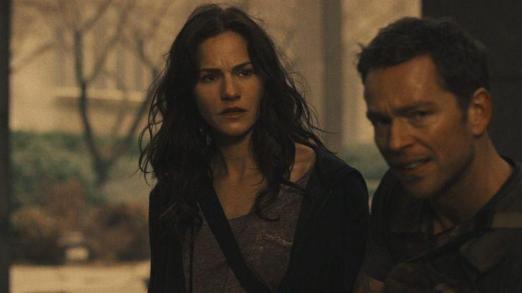 Syfy Renews Van Helsing for Season 4