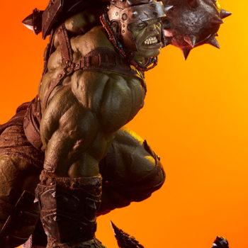 Gladiator Hulk Maquette Dramatic Lit Shot 3