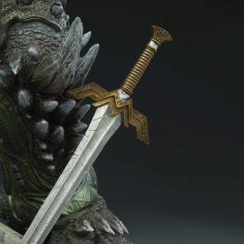 Doomsday Maquette Wonder Woman Sword Detail 2
