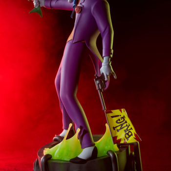 The Joker Statue Exclusive Edition- Animated Series Collection Dramatic Shot