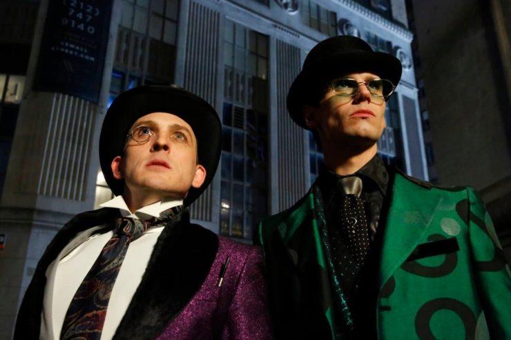 Gotham Series Finale Trailer Shows Batman Take on Crime